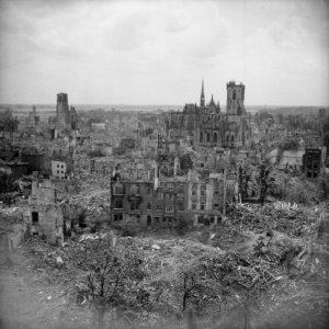 Die ehemalige Hanse- und Garnisonsstadt Wesel am Rhein wurde im Frühjahr 1945 zu 97 Prozent zerstört.